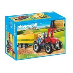 Duży traktor z przyczepą