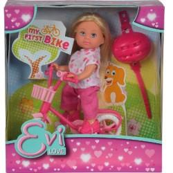 Evi Simba  na rowerze